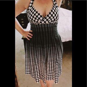 Vintage-insp. CK dress w unique polka dot pattern